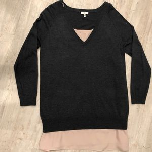 Joie V-Neck Tunic Sweater Layered w/Tan Camisole M